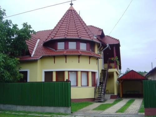 Tavasz apartman Gyula - szép kártya elfogadóhely
